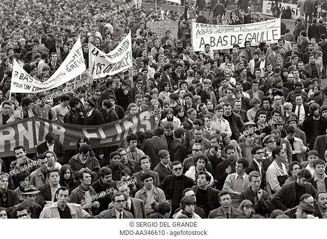 The risk of a revolution in Paris has been averted. Banners against the President of the French Republic Charles de Gaulle in a demonstration of young students...