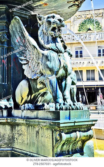 Fonte dos Leões (Lions' fountain), Praça de Gomes Teixeira (aka Praça dos Leões), Porto, Portugal