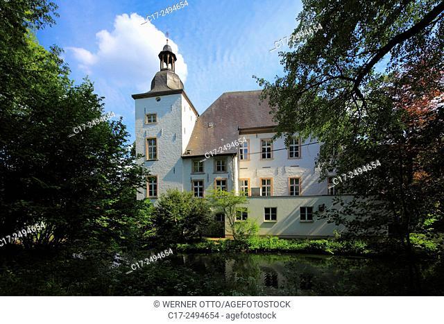 Germany, Voerde, Lower Rhine, Ruhr area, Rhineland, North Rhine-Westphalia, NRW, moated castle Haus Voerde, park