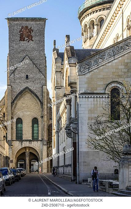 Tour Charlemagne (Old Saint Martin basilica) and Saint Martin New Basilica (19th century). Tours, Indre et Loire, Loire Valley, France, Europe