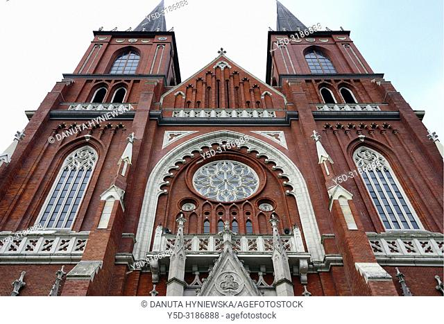 Front facade of Archcathedral Basilica of the Holy Family, it is one of the largest of its kind in Europe, built between 1901 and 1927