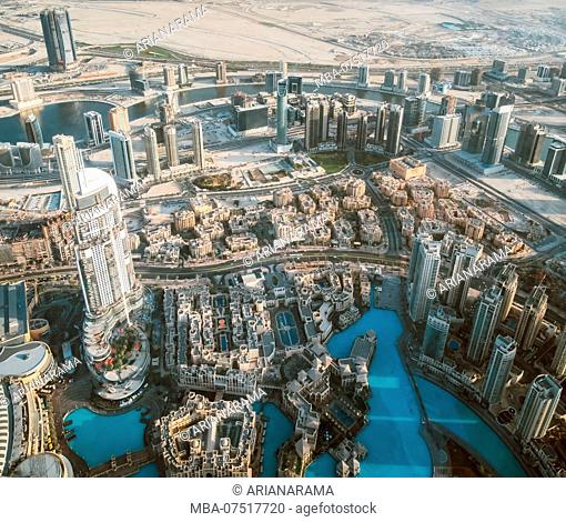 Beautiful view from the top of dubai skyline - united arab emirates