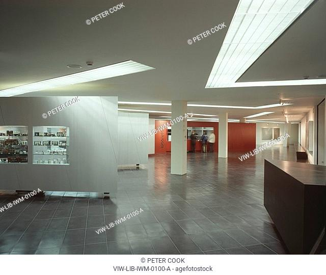 IMPERIAL WAR MUSEUM NORTH, SALFORD, MANCHESTER, GREATER MANCHESTER, UK, DANIEL LIBESKIND, INTERIOR, VIEW TOWARDS CLOAKROOM
