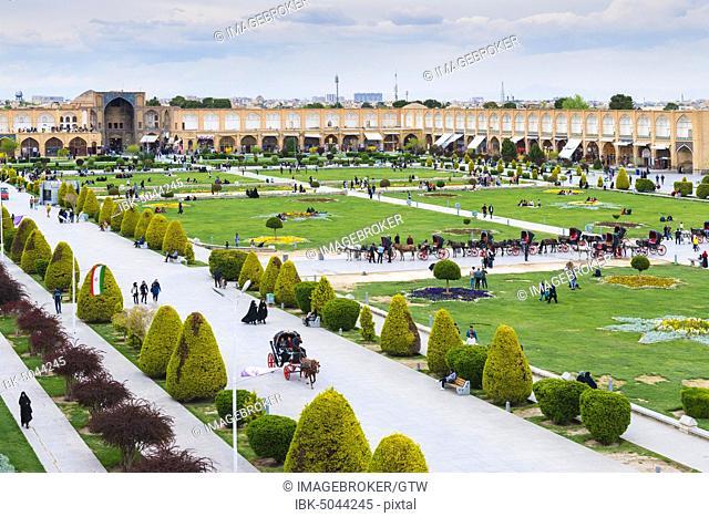 View over Maydam-e Iman square, Esfahan, Iran, Asia
