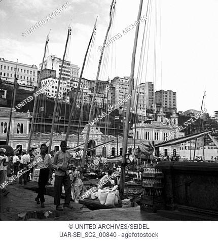 Am Mercado Modelo, Brasilien 1960er Jahre. At the Mercado Modelo, Brazil 1960s