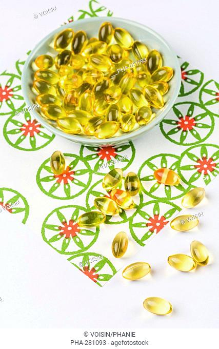 Nutritional supplements, liquid nutritional supplements in capsules