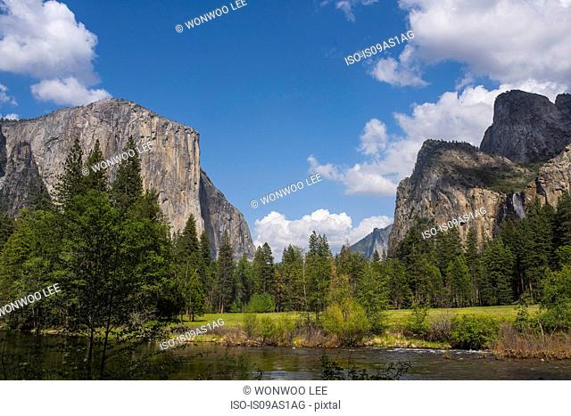 View of mountains and lake, Yosemite National Park, California, USA