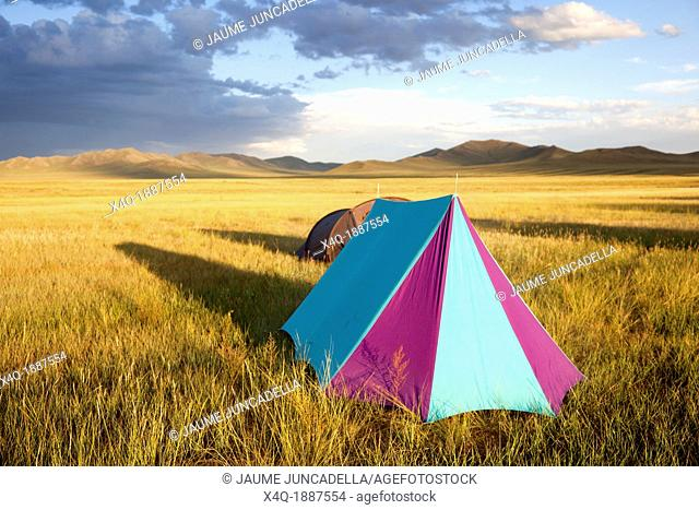 Mongolia, Scenic landscape of Gobi desert with tent in foreground