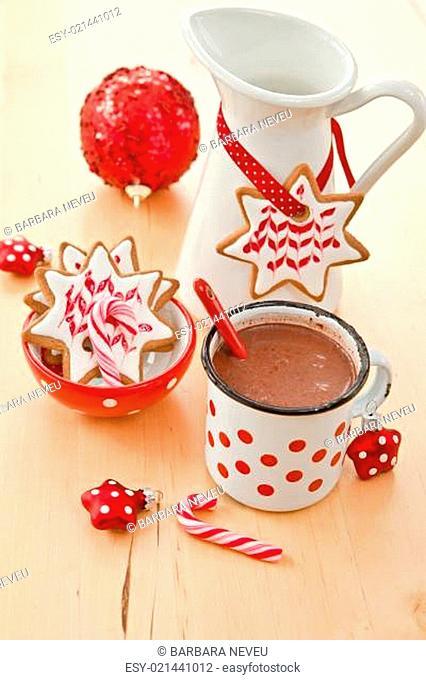 Heisse Schokolade mit Plaetzchen