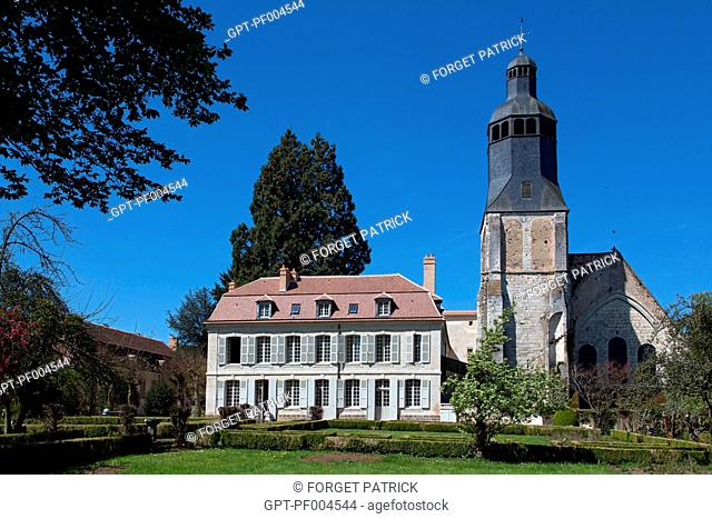 FORMER MILITARY SCHOOL RESTORED BY STEPHANE BERN, GARDEN IN FRONT OF THE ABBEY'S BELL TOWER, THIRON-GARDAIS, EURE-ET-LOIR (28), FRANCE