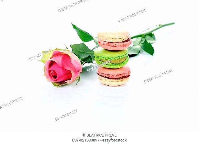 rose and macarons