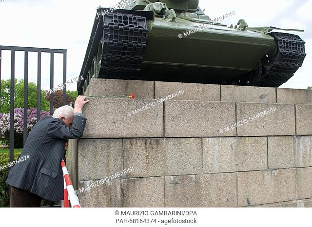 92-year-old Soviet war veteran David Dushmann at the Soviet Memorial in Berlin, 8 May 2015. Along with other veterans, he is remembering his comrades who died...