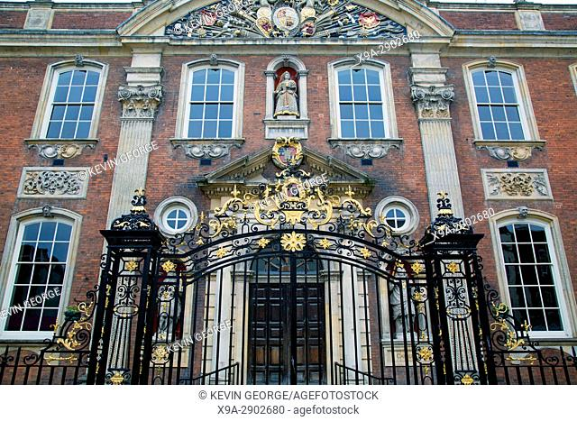 Entrance Gate of Worcester, Guildhall, England, UK