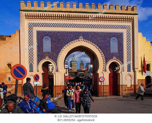 """Morocco, Fes, Bab Boujloud gate, entrance to the """"""""Medina"""""""" (old part) of Fes"""