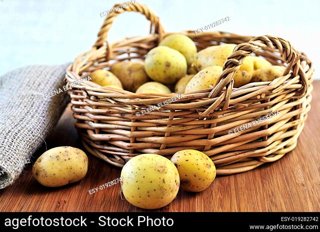 Row potatoes