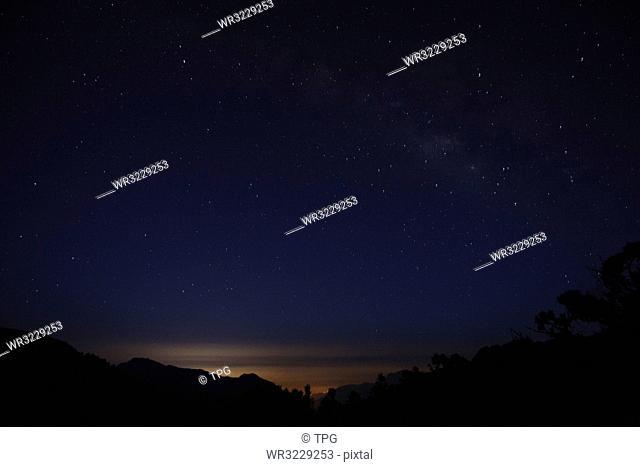 Qilai Main North Mountaineering; Starry sky