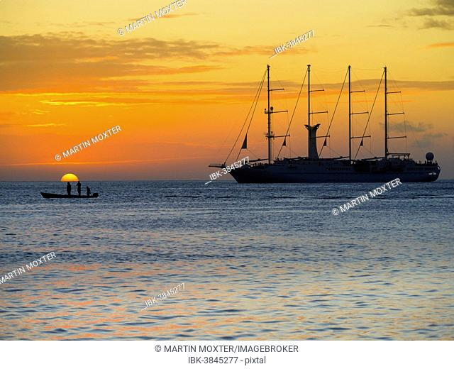 Sailing cruise ship Wind Star of Windstar Cruises, Soufrière region, Saint Lucia, Windward Islands, Lesser Antilles