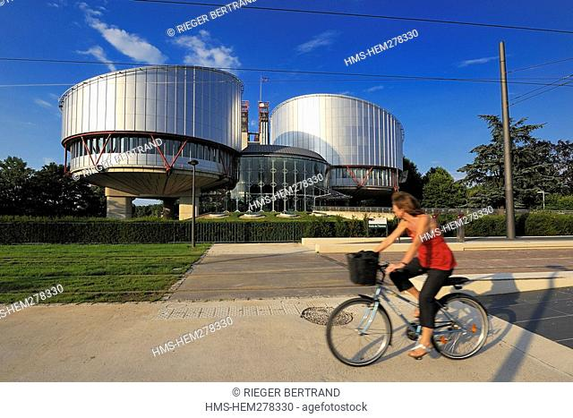 France, Bas Rhin, Strasbourg, Human Rights building by architect Richard Rogers on quay Ernest Bevin