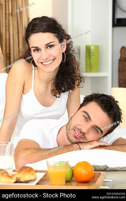 Couple enjoying healthy breakfast