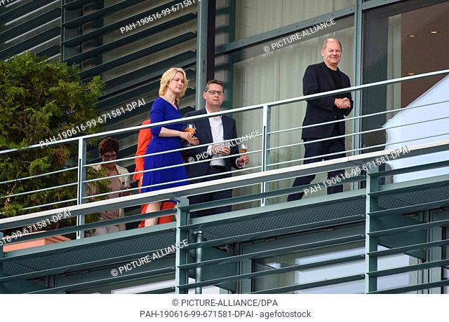 16 June 2019, Berlin: Annegret Kramp-Karrenbauer (l-r), Federal Chairman of the CDU, Manuela Schwesig (SPD), Prime Minister of Mecklenburg-Western Pomerania