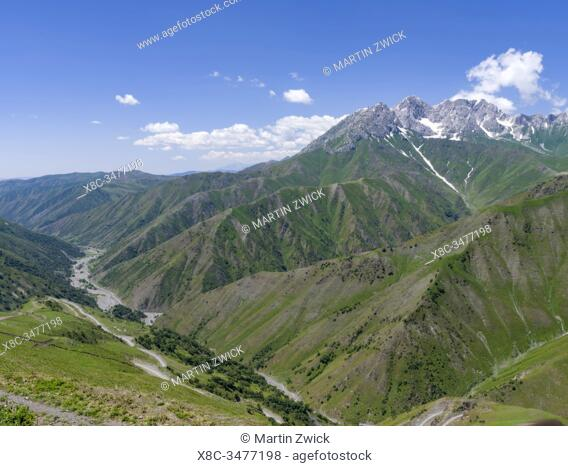 Landscape along the mountain road from Jalal-Abad (Dzhalal-Abad, Djalal-Abat, Jalalabat) to mountain pass Urum Basch Ashuusu in the Tien Shan mountains or...