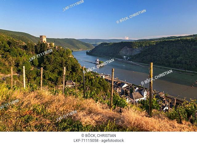 View of the Upper Middle Rhine Valley with Pfalzgrafenstein Castle in the Rhine and Gutenfels Castle above, near Kaub, Rheinland-Palatinate, Germany, Europe