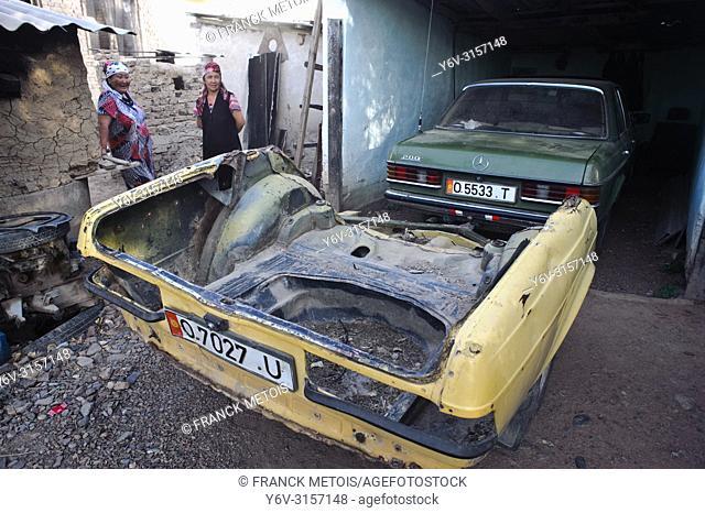 Car trailer made from a car trunk ( Kyrgyzstan)