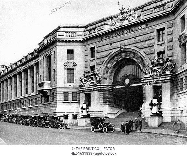 Waterloo Station, London, 1926-1927. From Wonderful London, volume II, edited by Arthur St John Adcock, published by Amalgamated Press (London, 1926-1927)