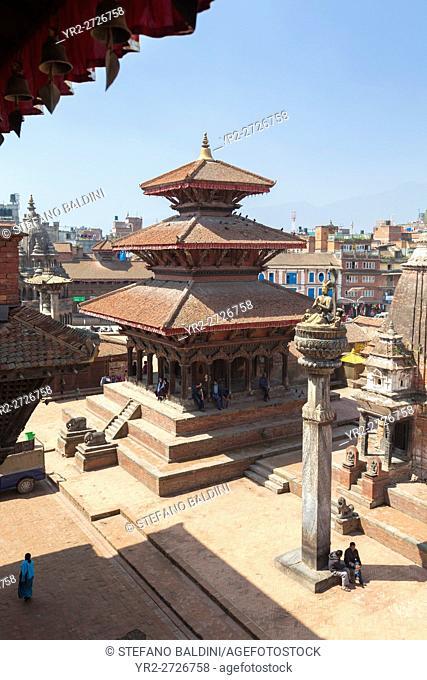 Durbar square with Hari Shankar temple and the statue of king Yoganarendra Malla, Patan, Nepal