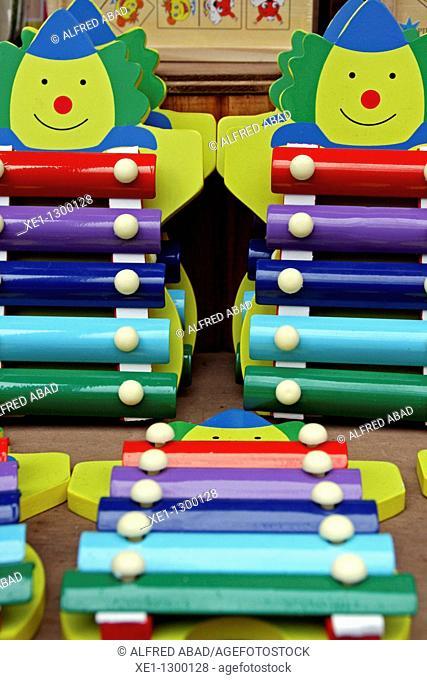 wooden xylophones for kids