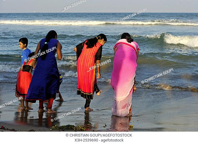 Marina Beach, Baie of Bengal, Chennai Madras, Coromandel Coast, Tamil Nadu state, South India, Asia