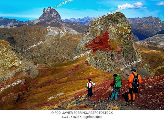 """Picos Anayet y Midi d'Ossau - Valle del Tena â. """" Sallent de Gállego - Huesca â. """" Pirineo Aragones - Aragon - España â. """" Europa"""