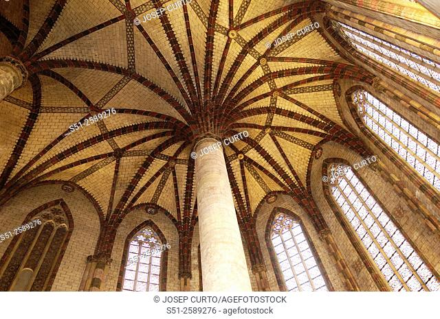 inside the Church of Jacobins in Toulouse, France
