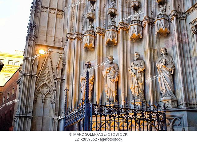 Sculputures, detail. The Cathedral of the Holy Cross and Saint Eulalia, also known as Barcelona Cathedral. Gothic cathedral and seat of the Archbishop of...