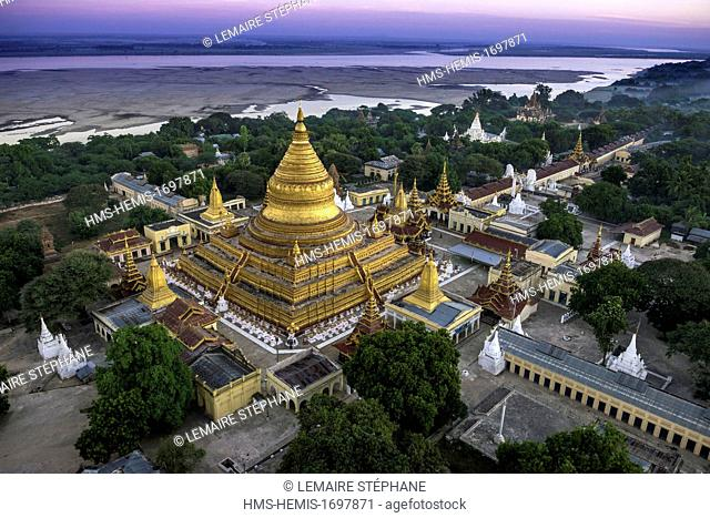 Myanmar (Burma), Mandalay division, Bagan, overview of the old historic capital in ballonswith Balloons over Bagan, view from the air of Shwezigon pagoda...