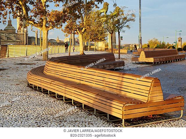 Wooden bench, Paseo La Ribera, Near Basilica of Nuestra Señora del Pilar, Zaragoza, Aragón, Spain
