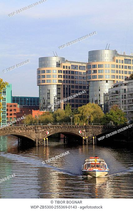 Germany, Berlin, Federal Ministry of the Interior, Spree River, sightseeing boat