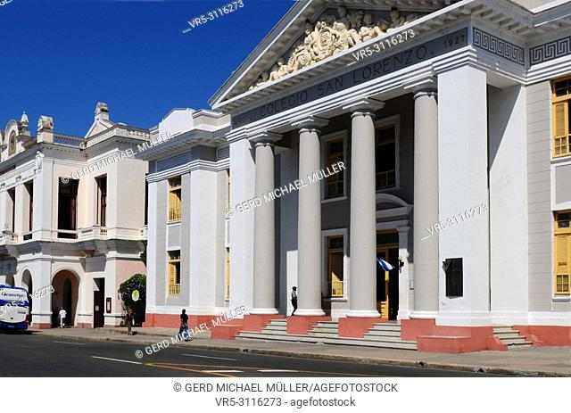 The colonial style buildings Collegio San Lorenzo and behind the legendary Theatro Tomas Terry in Cienfuegos