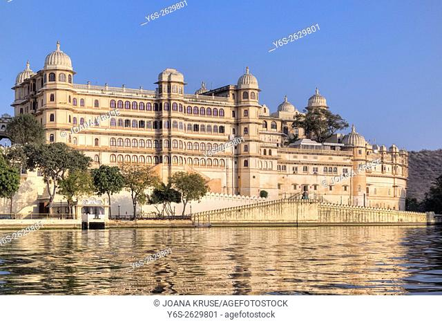 City Palace, Udaipur, Lake Pichola, Rajasthan, India