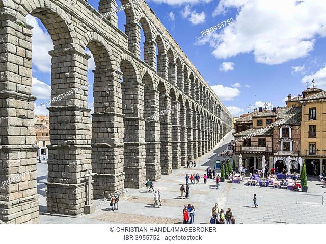 Roman Aqueduct, 1- 2.Jh AD, Segovia, Castile and León, Spain