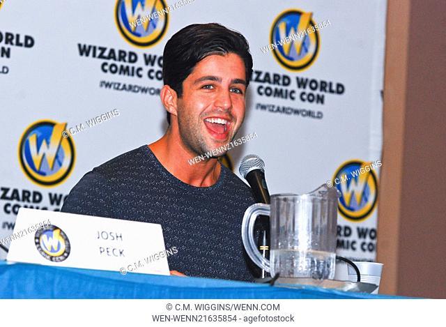 Wizard World Chicago Comic Con 2014 Day 2 Featuring: Josh Peck Where: Rosemont, Illinois, United States When: 22 Aug 2014 Credit: C.M. Wiggins/WENN