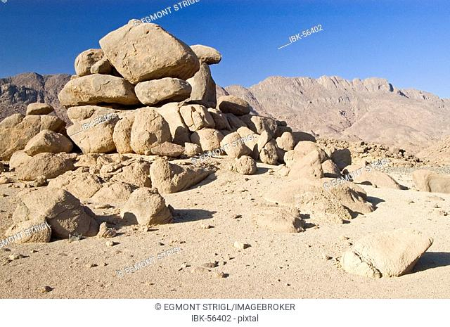 Valleys and mountains at Jebel Uweinat, Jabal al Awaynat, Libya