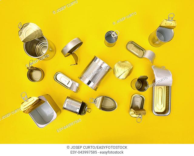 top view of tin can isolated on yellow