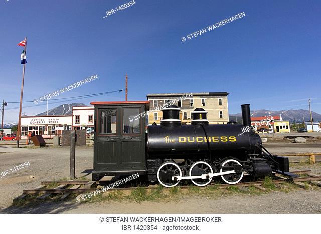 Historic steam engine Duchess of White Pass and Yukon Route, Matthew & Watson General Store behind, Carcross, Klondike Gold Rush, Chilkoot Trail, Chilkoot Pass