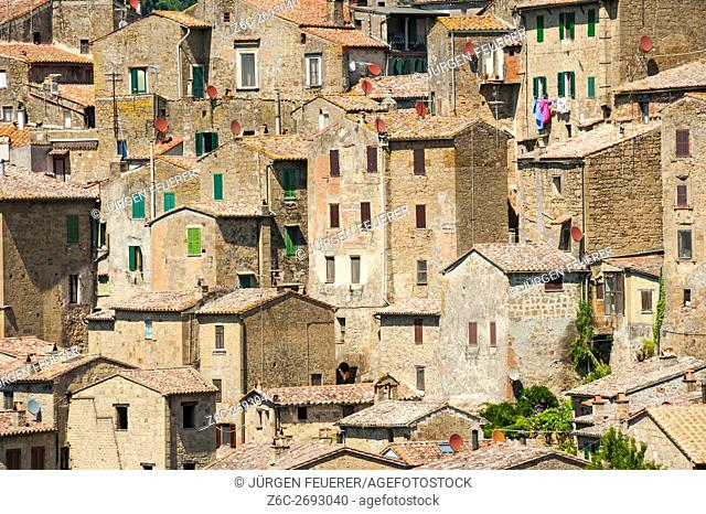 Sorano, town of the Middle Ages, province Grosseto in Tuscany, buildings of tuff stone, Tuscany, Italy