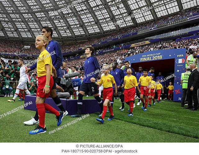 15 July 2018, Russia, Moscow: Soccer, World Cup 2018, Final game, France vs. Croatia at the Luzhniki Stadium. Inlet child Felix Bumb from Germany