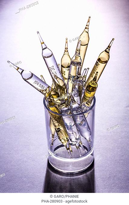 Glass ampoules of various trace elements