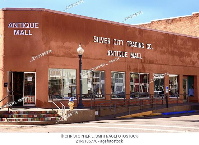 Outside the Silver City Trading Company Antqiue Mall on W. Broadway St in downtown Silver City NM