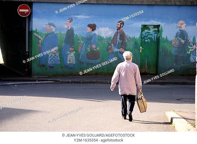 Street scene, housewife and fresco, urban life