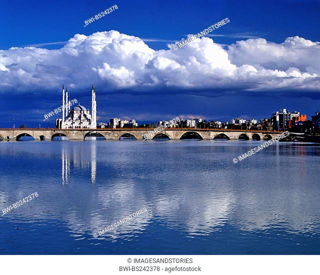 Sabanci Mosque and Old Roman Tas Bridge over Seyhan River, Turkey, Adana